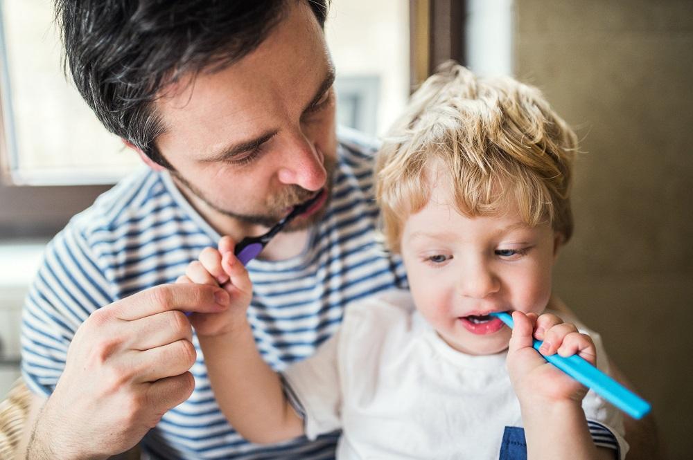 a qué edad salen los dientes